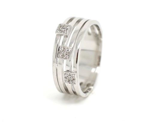 Ref: JOANR3226B 19.2 K Gold White Gold+Diamond Weight: 5.9 gms Brand: Romantis Price: 1.050€